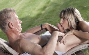 Gina Gerson complace sexualmente a su vecino millonario