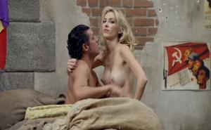 Actriz española follando en una película convencional