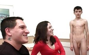 Jordi ayuda a una pareja amateur española en crisis