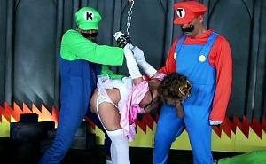Super Mario y su amigo Luigi liberan a la princesa Peach