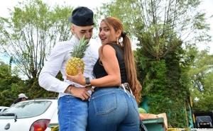 Le ofrecen sexo a una vendedora ambulante colombiana