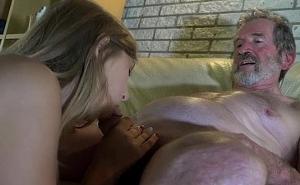 Cállate abuelo y dame placer que necesito un orgasmo