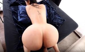 Colombiana amateur culona en el primer anal de su vida